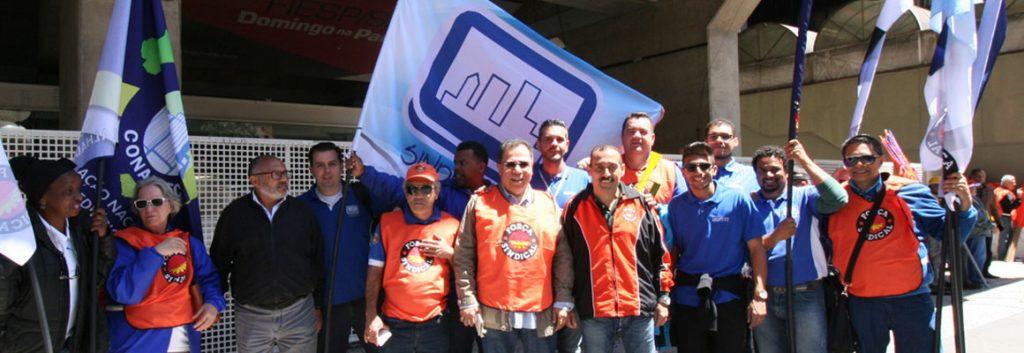 Sindifícios em manifestação contra a retirada de direitos sociais e trabalhistas