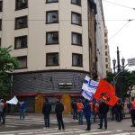 A esquina das ruas 7 de abril e Xavier de Toledo foi fechada.